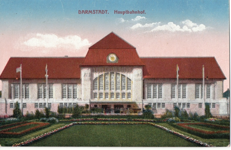 Darmstadt - Hauptbahhof Close Up.JPG