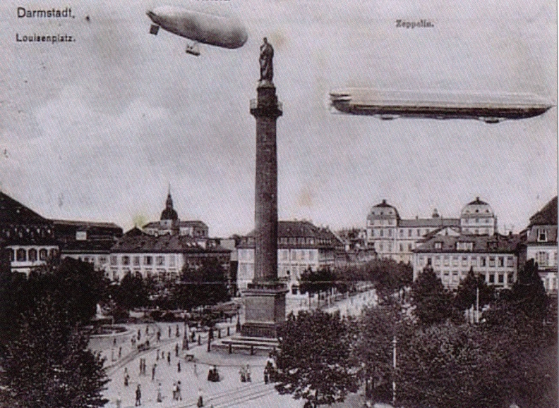 Darmstadt - Louisenplatz with Airships.JPG
